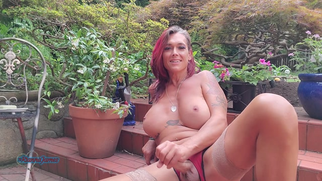 Ts Rianna James – Crotchless Panties. Pissing and Cumming In The Garden – 08.08.2021 00011