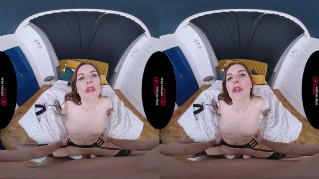 VirtualRealPorn presents Naughty Vixen - Jenifer Jane 00011