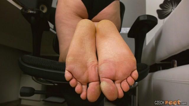 Watch Online Porn – CzechFeet – 04-05-2020 Maria – Bare feet & Shoes (MP4, HD, 1280×720)