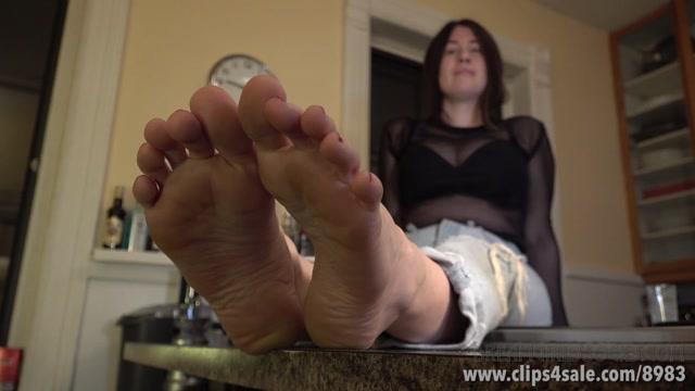 Watch Online Porn – Dreamgirls In Socks – Elodie's Footjob Simulation (MP4, FullHD, 1920×1080)