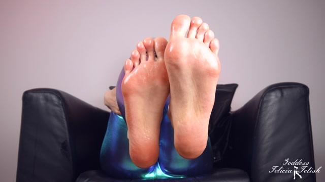 Felicia Fetish - Sexy oiled feet 00003