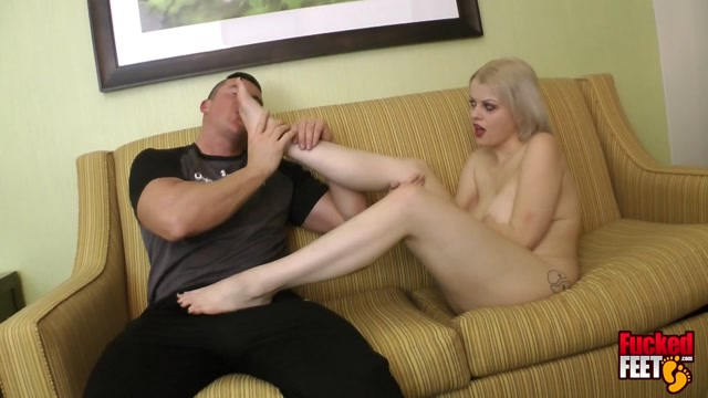 Fucked Feet: Nadia White Gives me a Footjob 00011