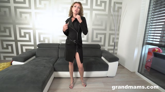 Watch Online Porn – GrandMams presents Nadia Horny Russian housewife – 04.09.2021 (MP4, FullHD, 1920×1080)