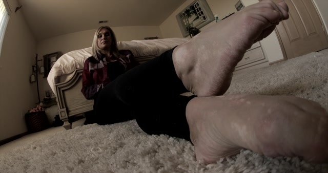 Hypnotic Footworks - Goddess La Creme - Getting You Horny With Mature Feet Part 1-3 00014