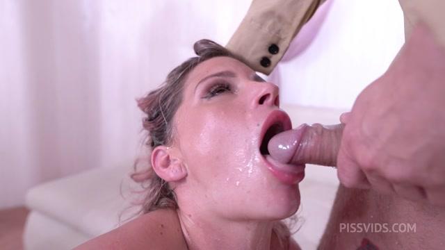 Watch Online Porn – LegalPorno presents Leidy de Leon 0% Pussy 4on1, DAP rough Deepthroat, Creampie – 29.09.2021 (MP4, HD, 1280×720)