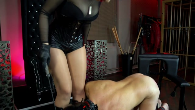 Lucky Slave Was Able To Experience A Wide Spectrum Of Domination Experiences 00011
