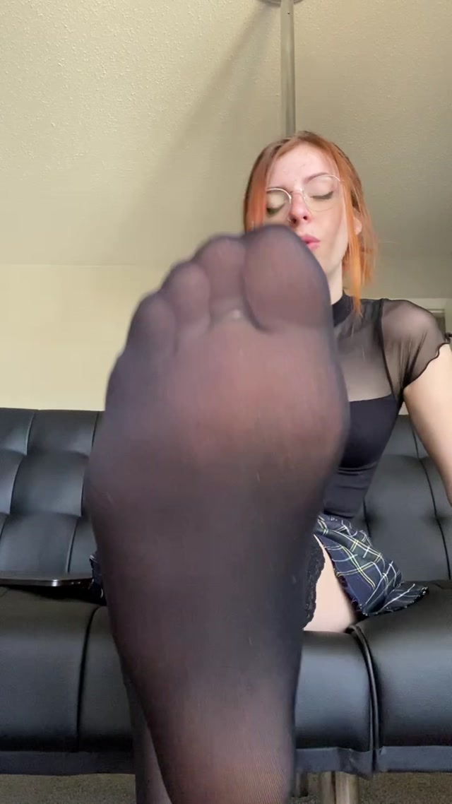 Lynn Baby - My feet will have you working overtime… BOSS FANTASY 00014