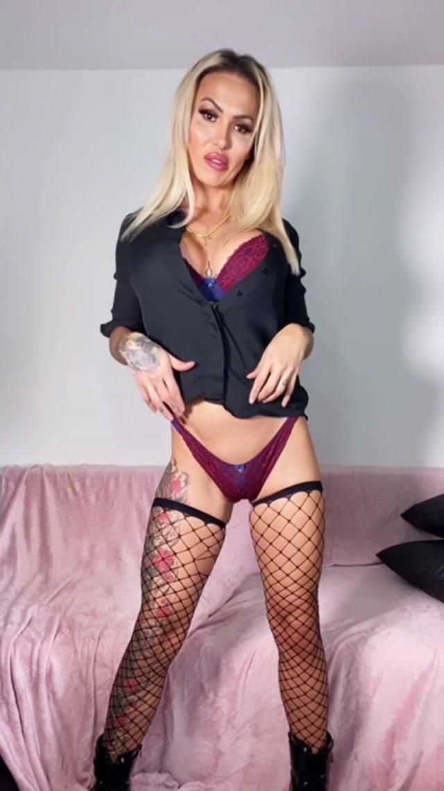 Mia Maffia – Squeeze Your Fucking Cock For Mistress Maffia – 21.09.2021 00004