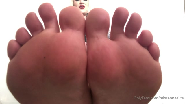 Miss Annaelite - Are You Weak For My Perfect Feet 00015