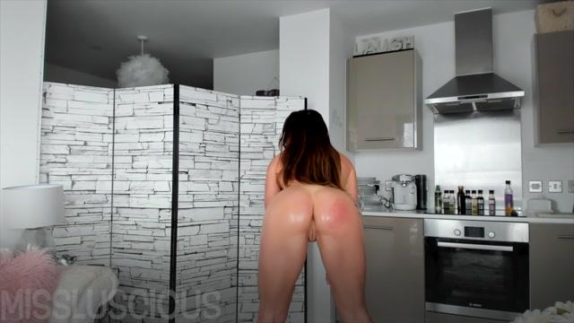 Watch Online Porn – Miss Luscious Jerk it & Lick it (MP4, FullHD, 1920×1080)