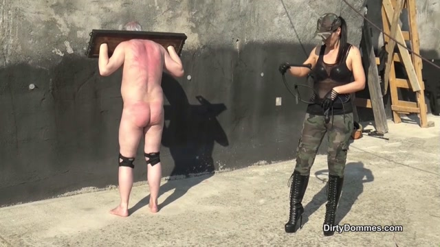Queens of Kink - Fetish Liza - Outdoor Whipping in Bondage 00006