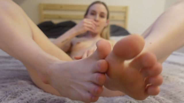 Watch Online Porn – Sofie Skye – Mommy let's you fuck her Feet Taboo (MP4, FullHD, 1920×1080)