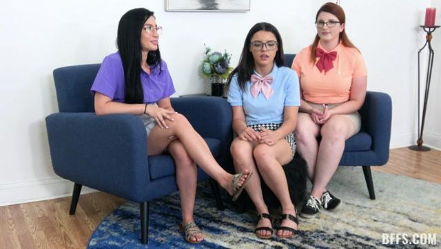 TeamSkeet - BFFS presents Bess Breast, Ella Cruz & Jasmine Vega - Nerds Do It Better – 07.09.2021 00000