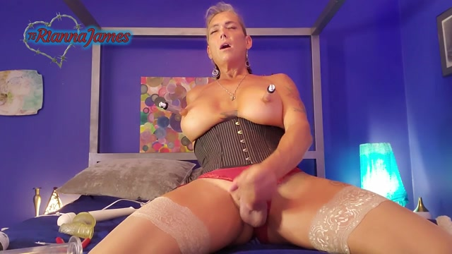 Ts Rianna James – Cum Panties For A Special Friend – 04.09.2021 00009