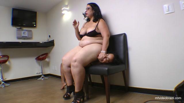 Woman Chair For Renata Colossos By Renata Colossos And Vaninha 00011