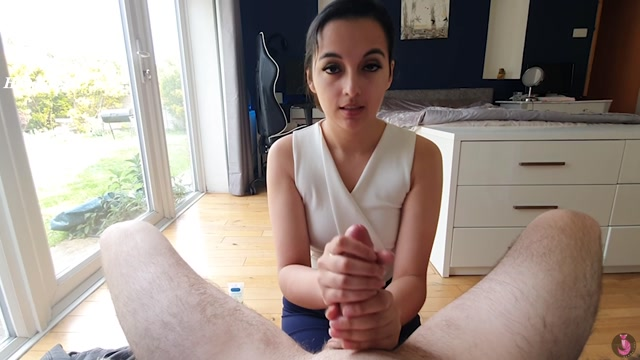 Watch Free Porno Online – Your First Handjob With Mommy – Summer Fox – HandJob (MP4, FullHD, 1920×1080)