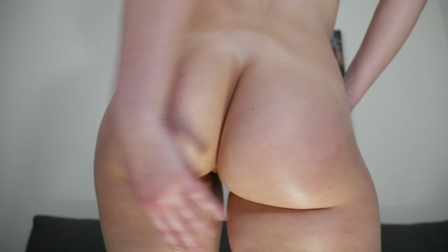 Ashley Alban - Leggings and Baby Oil 00014