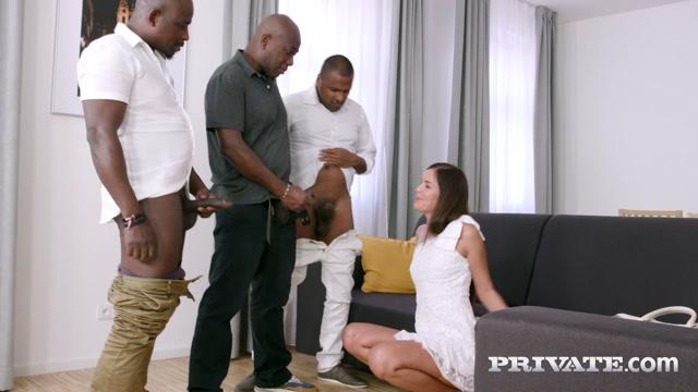 Watch Online Porn – BlacksOnSluts presents Cindy Shine, Unfaithful Wife Enjoys Interracial Gangbang – 21.10.2021 (MP4, HD, 1280×720)
