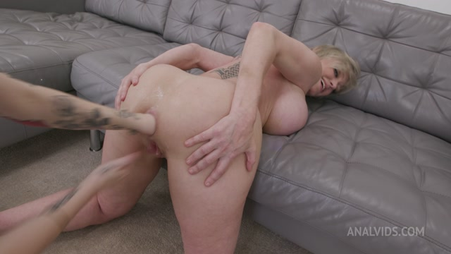 Dee Williams Testing The Handmade Khun Size XL  With Additional Anal Fisting 00013
