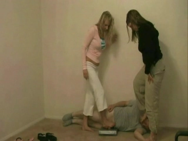 EXTREME NUT CRUNCH Kicked_And_Abused_25_ 00009