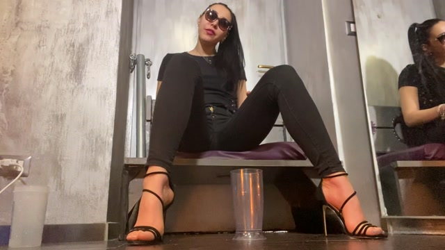 Watch Online Porn – Gaia Padrona – Pee For My Toilet Slave – MISTRESS GAIA (MP4, FullHD, 1920×1080)