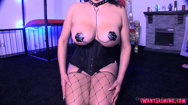 Goddess Jasmine Mendez - Holidays Homewrecker 00011