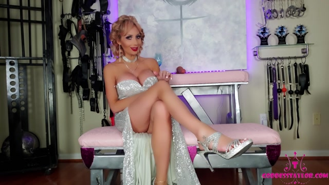 Goddess Taylor Knight - Blackmailed by the Homecumming Queen 00001