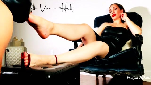 Watch Online Porn – Lick, suck _ hump – Alexxa Von Hell – FootJob (MP4, FullHD, 1920×1080)