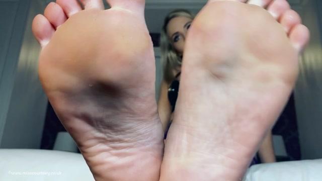 Mistress Courtney - POV Foot Chores 00014
