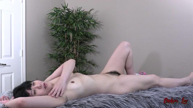 Ondrea Lee - Sweaty Hairy Exercise Mom 00015