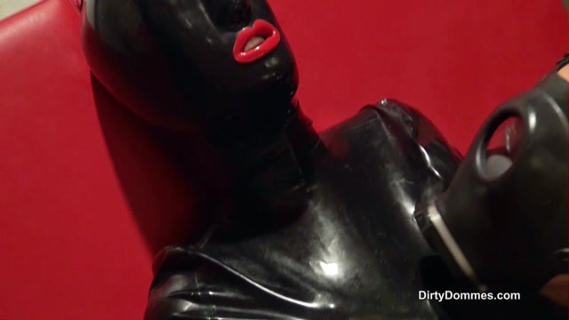 Queens of Kink, Fetish Liza, Smothered Rubber Gimp 00005